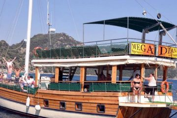 All Inclusive Mega Diana Boat Trip
