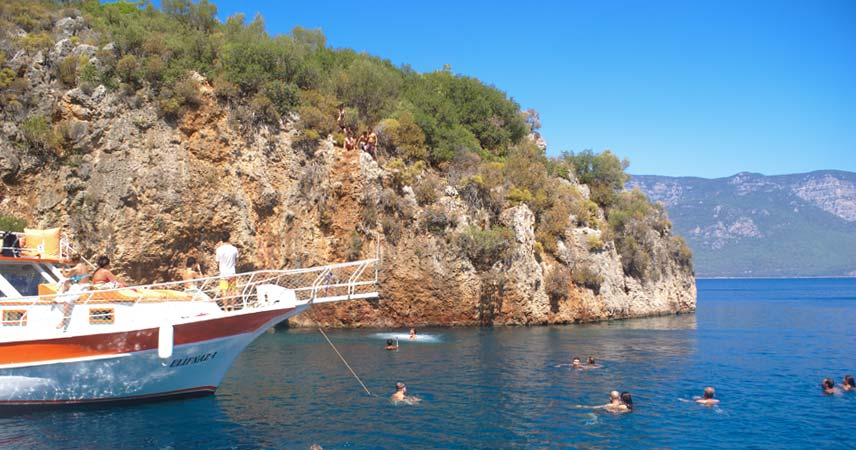 A stop for swimming during the Sedir Islands boat trip