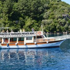 Marmaris Boat Rental - Boat 04 - Right Side in the Sea